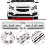 Jogo-Soleira-Resinada-Universal-Chevrolet-4-Pecas-Estreita-Aco-Escovado-com-Bandeira-Quadriculada