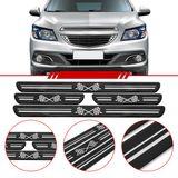 Jogo-Soleira-Resinada-de-Porta-Universal-Chevrolet-4-Pecas-Larga-Preta-com-Bandeira-Quadriculada