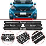 Jogo-Soleira-Resinada-de-Porta-Universal-Nissan-4-Pecas-Larga-Preta-com-Bandeira-Quadriculada
